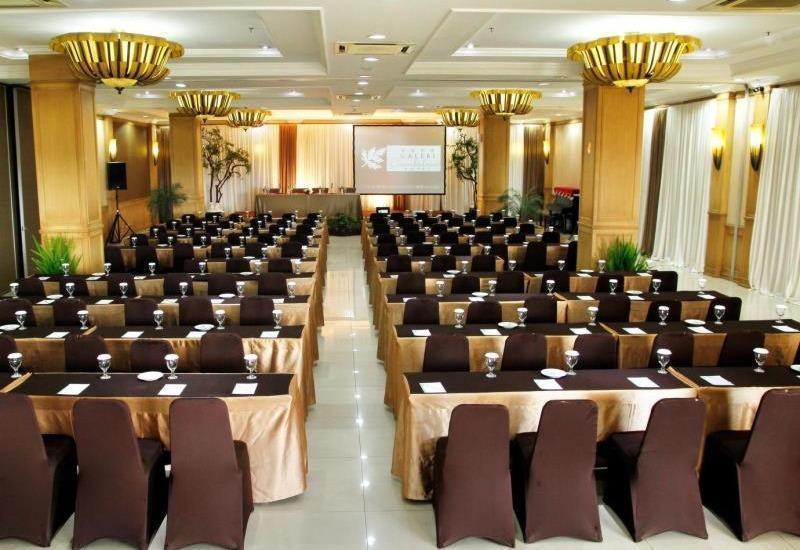 Galeri Ciumbuleuit Hotel Bandung - Ballroom
