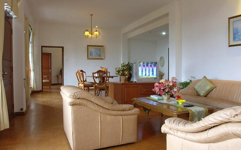 Sinabung Hills Resort Berastagi - LIVING ROOM OF PRESIDENT SUITE