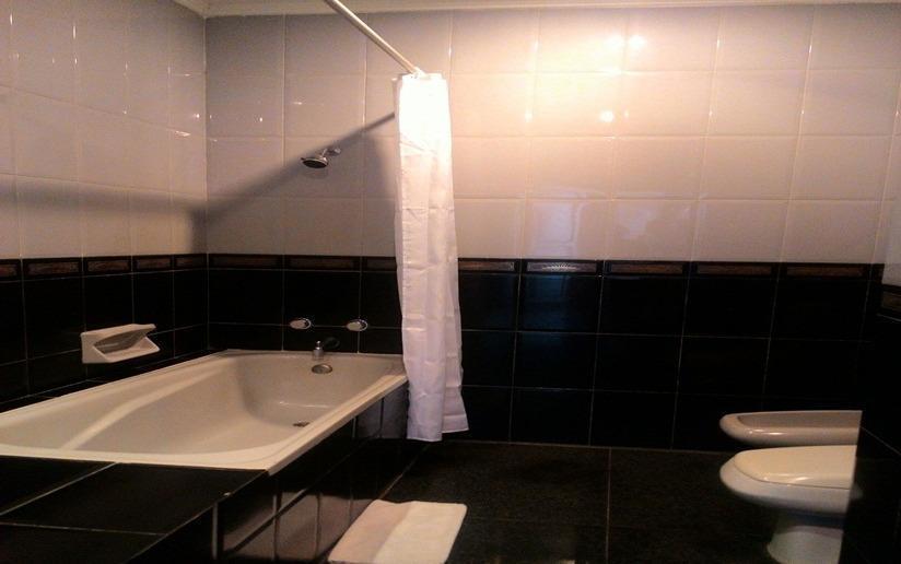 Sinabung Hills Resort Berastagi - Kamar mandi