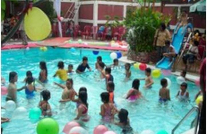 Abadi Suite Hotel   - Kolam Renang