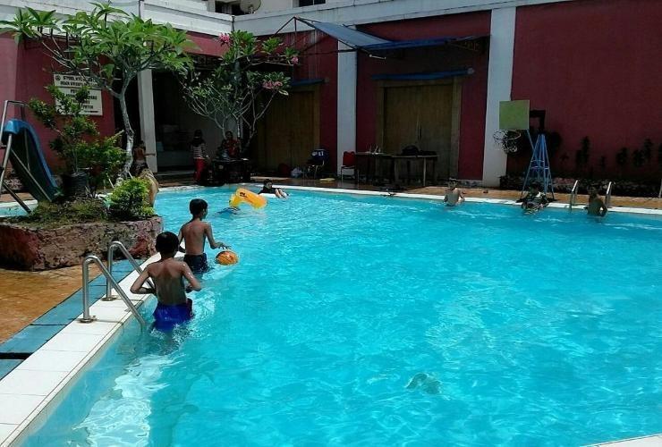 Abadi Suite Hotel   - Swimming Pool