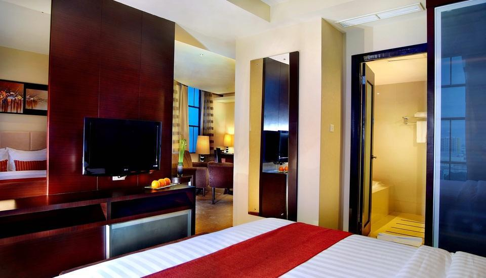 Grand Aston City Hall Medan - Aston Suite with Breakfast Regular Plan