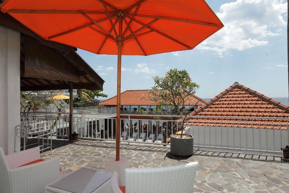 Villa Agung Beach Inn Bali - Twin Room Balcony