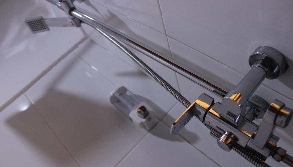 Ratu Homestay Malang Malang - Bathroom Standard
