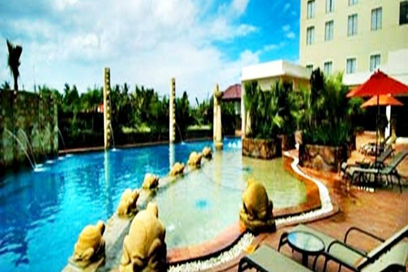 Hermes Palace Hotel Banda Aceh - Kolam Renang