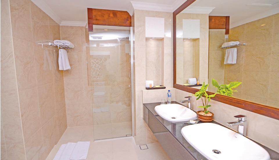 Hermes Palace Hotel Banda Aceh - Bathroom Executive room