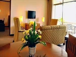 Patra Jasa Semarang Convention Hotel Semarang - Ruang Keluarga Executive Suite Hotel
