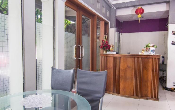 Permata Guest House Semarang - Resepsionis