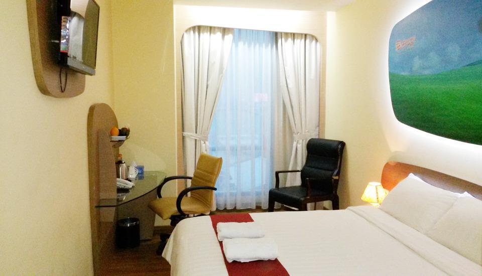 Business Hotel Jakarta - Deluxe Double Room Only Cheap Deals