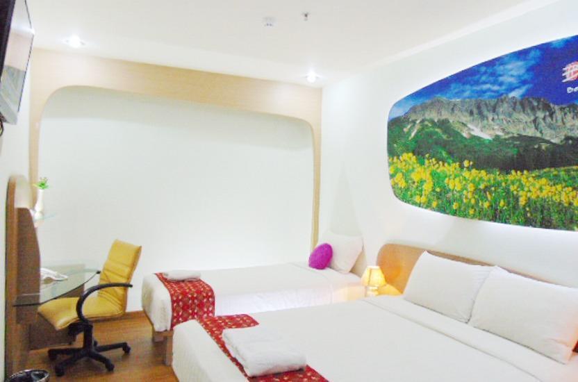 Business Hotel Jakarta - Kamar Keluarga #WIDIH - Pegipegi Promotion