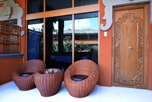 Wina Holiday Villa Kuta - Depan Kamar
