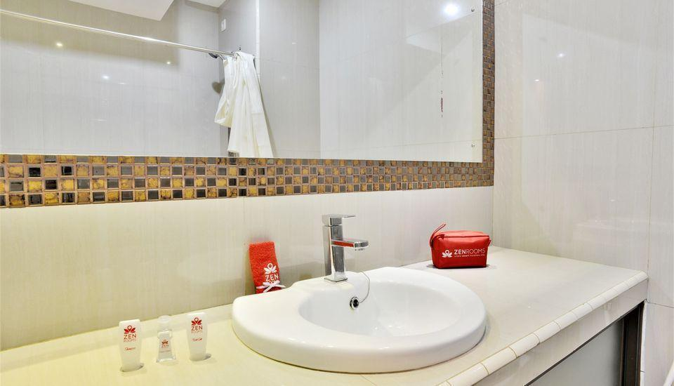 ZEN Rooms Kasira Bintaro Sektor 7 South Tangerang - Bathroom 1