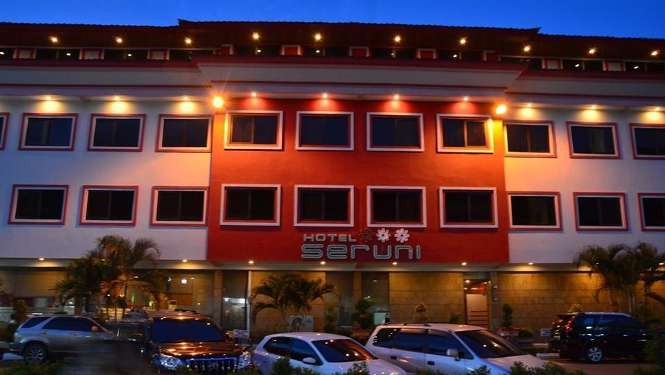 Hotel Seruni  Batam - Parking Area