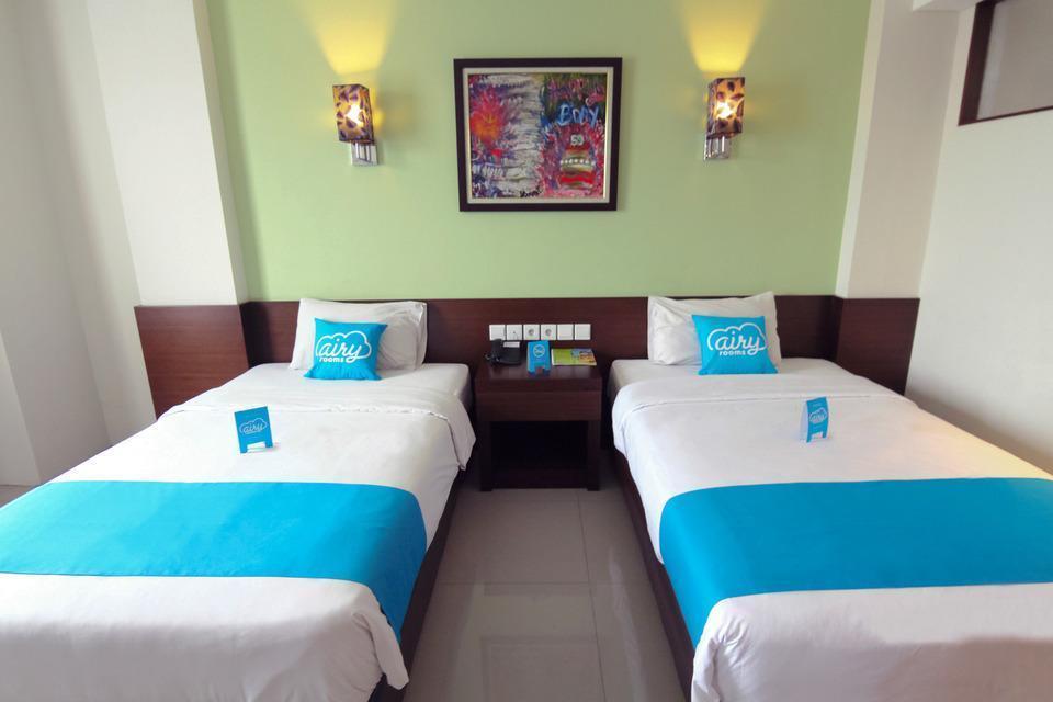 Airy Slipi Jakarta - Standard Twin Room with Breakfast Special Promo Jan 5