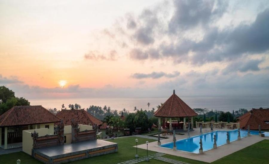 Taman Ujung Resort & Spa Bali - Kolam Renang