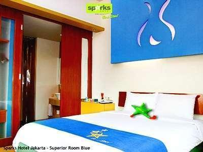 Sparks Hotel Mangga Besar Jakarta - Superior Room With Breakfast Regular Plan