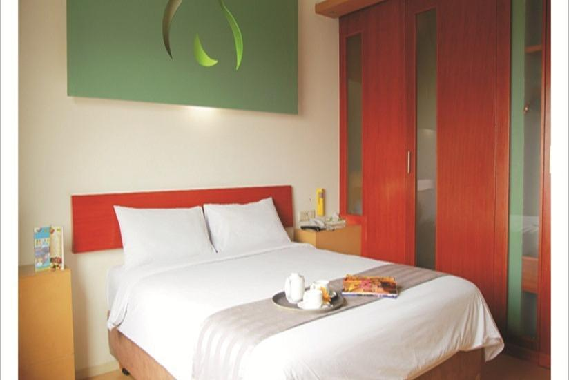 Sparks Hotel Mangga Besar Jakarta - Deluxe Room With Breakfast Minimum Stay 2 Night - 15 %
