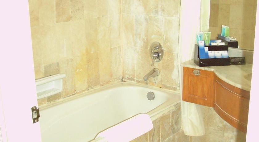 Resor Tuban Tropis Tuban - Toilet