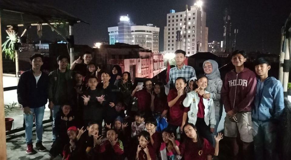 Chez Bon Hostel Bandung - Group