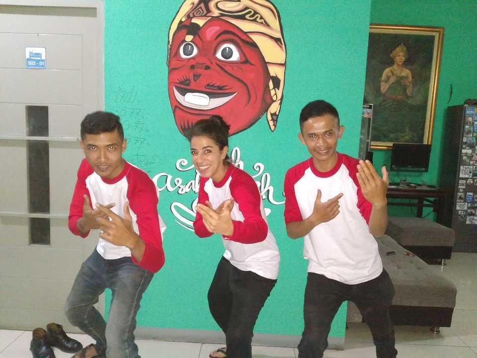 Chez Bon Hostel Bandung - Beraksi