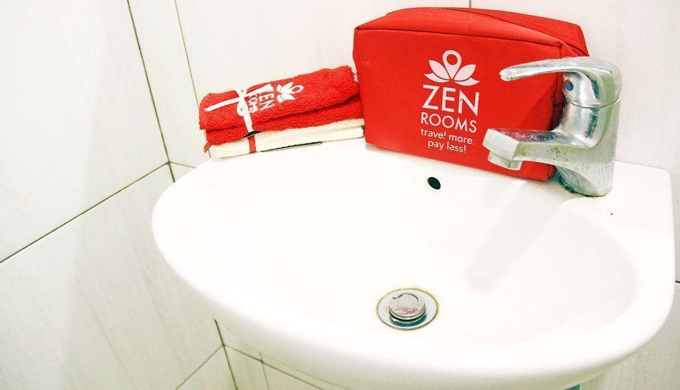 ZEN Rooms Cibaduyut Bandung - Kamar mandi