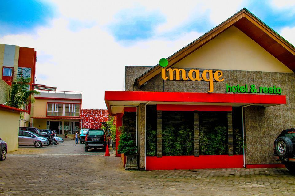 Image Hotel & Resto Bandung - Appearance