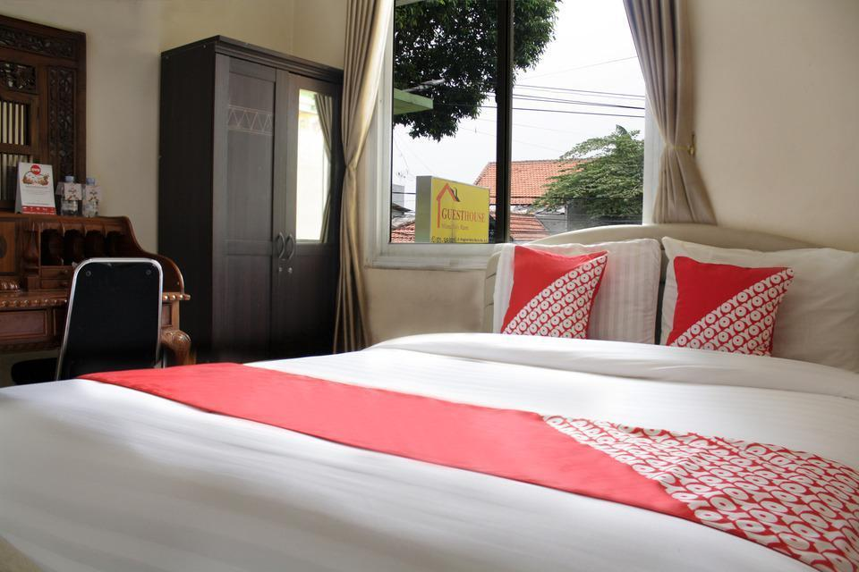 OYO 188 Wisma Nely Murni Guesthouse Jakarta - Suite Double Long Stay 52%