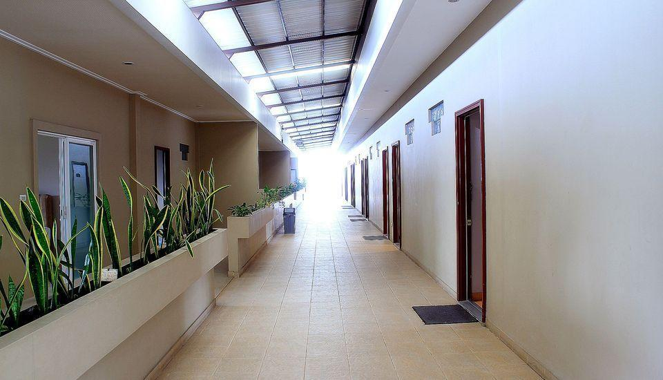 ZEN Rooms Bukit Tunggul Bandung - Koridor