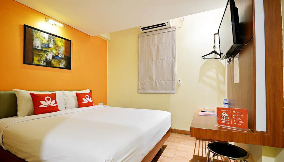 ZenRooms Pluit Bandengan - Kamar tempat tidur double