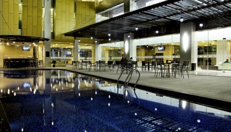 Horison Lampung - Pool