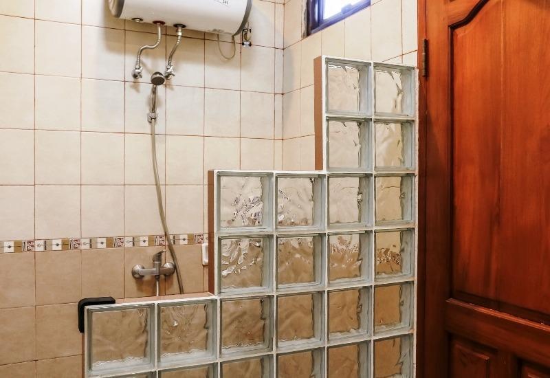 NIDA Rooms Panjaitan 18 Halim Airport - Kamar mandi