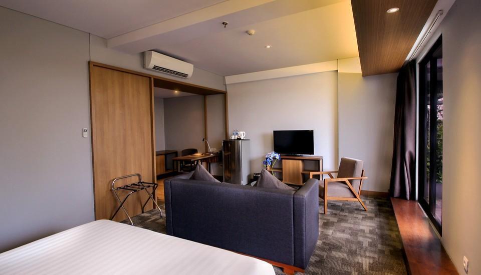 BATIQA Hotel Jababeka - Suite Regular Plan