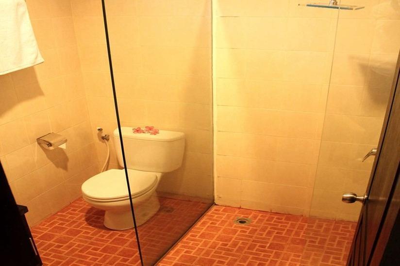 Graha Ayu Hotel Lombok - Kamar mandi