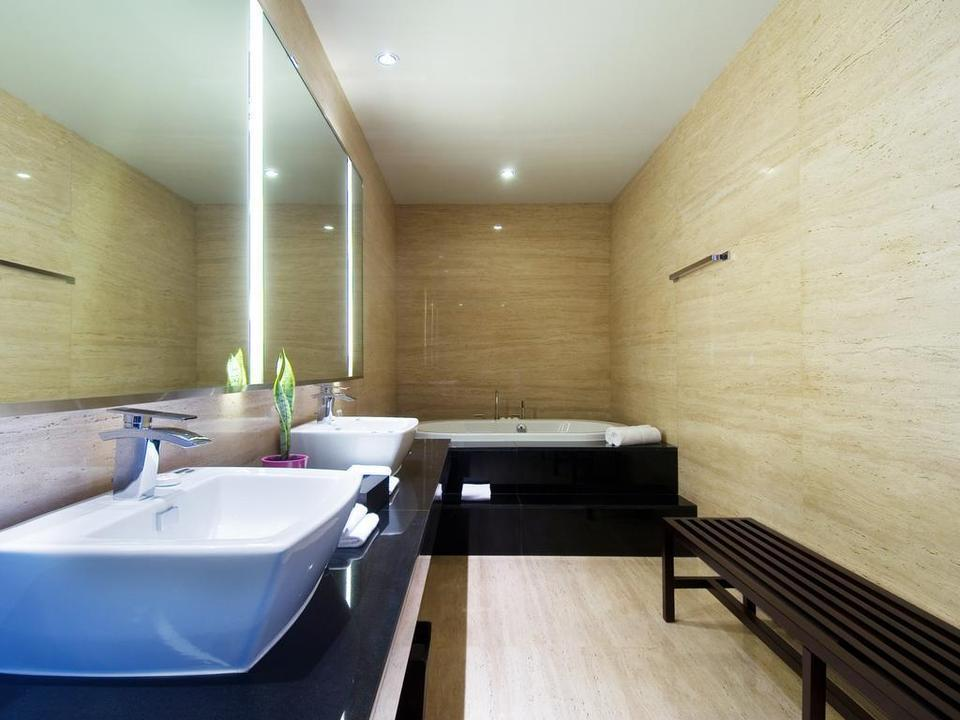 Sensa Hotel  Bandung - Sensa Suite Bathroom