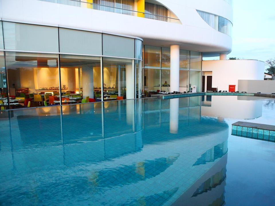 Sensa Hotel  Bandung - Swimming Pool