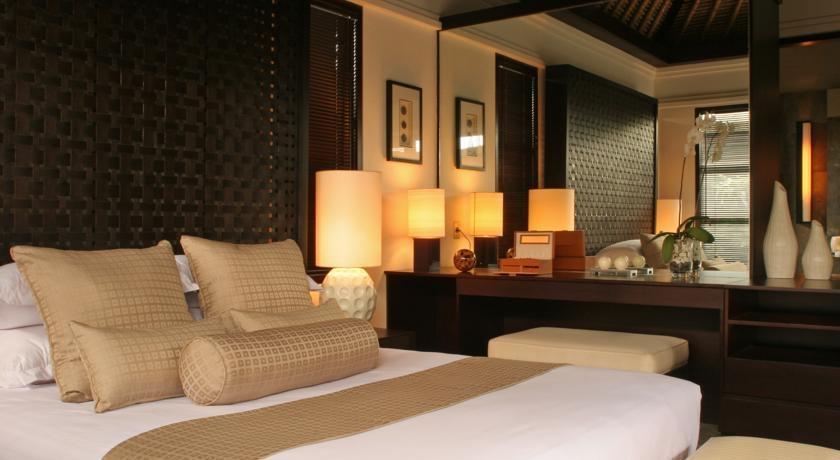 Peppers Seminyak - 3 to 5 Bedroom Villa - kamar tidur
