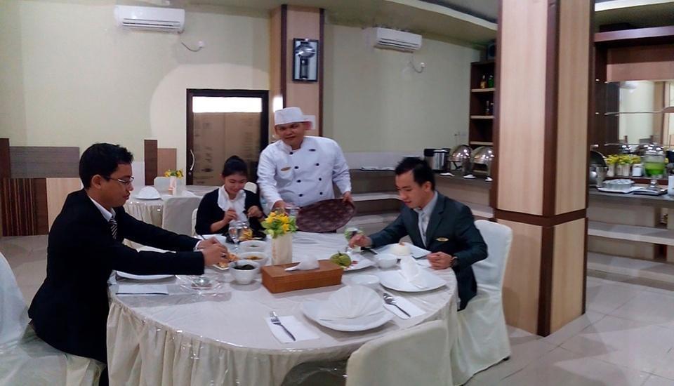 Grand Vella Hotel Bangka - Menu Breakfast