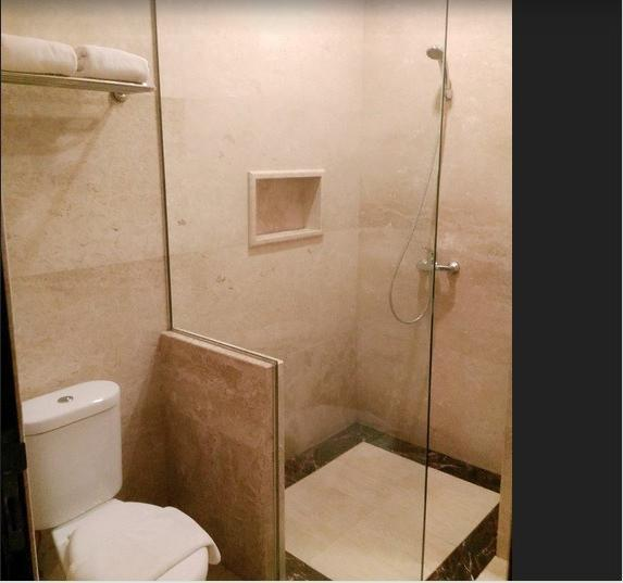 Apple Green Hotel Malang - Superior Bathroom