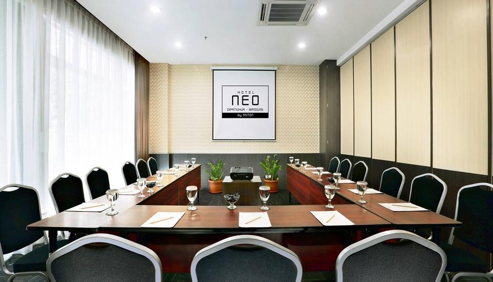 NEO Dipatiukur Bandung - Ruang Rapat