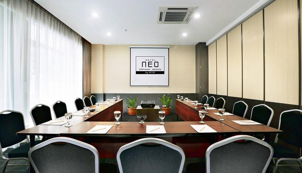 NEO Dipatiukur Bandung - Meetingroom