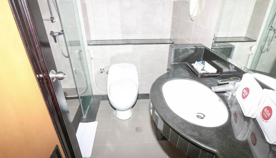 NIDA Rooms Pantai Indah Emporium Pluit - Kamar mandi