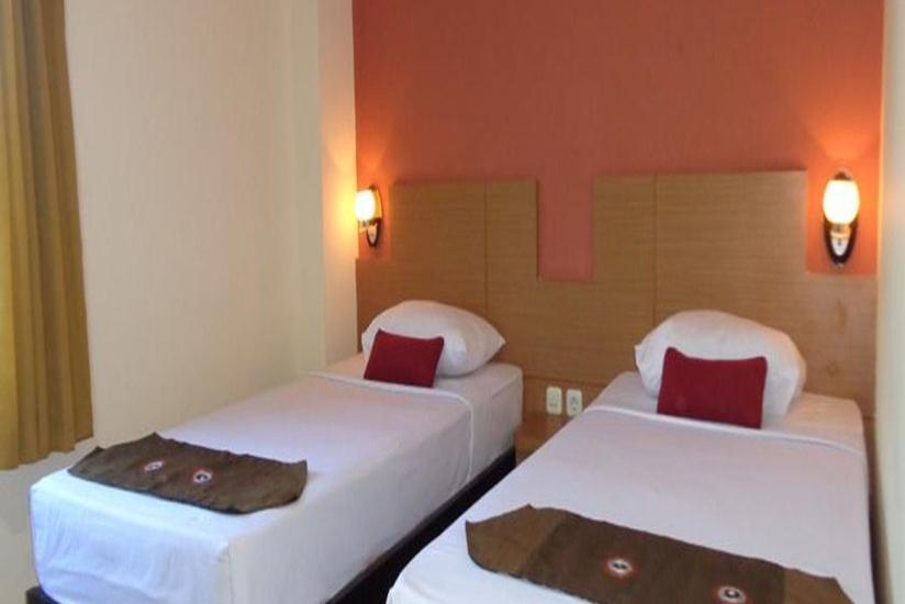 City Hotel Mataram - Deluxe Room  Regular Plan