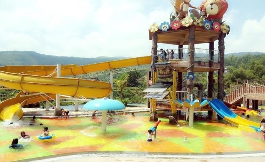 Bess Resort & Waterpark Malang - Kolam Renang