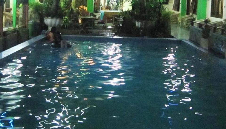 Perwita Sari Hotel Yogyakarta - Kolam Renang