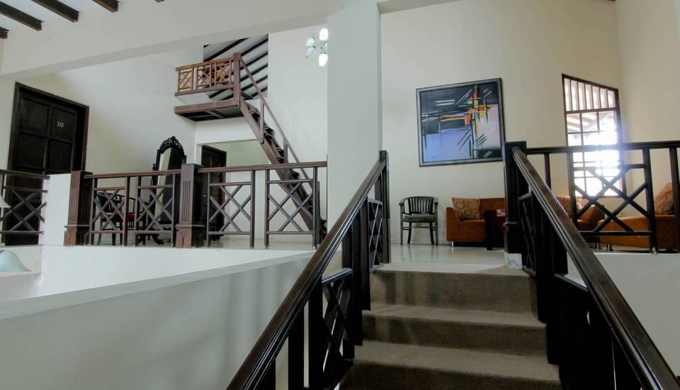 Emdi House Yogyakarta - Seating Area