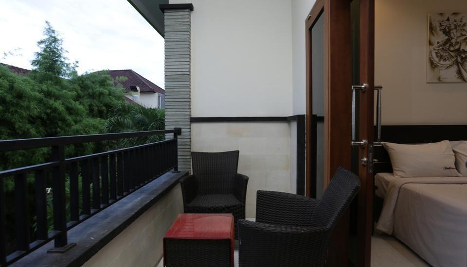 RedDoorz Near Lippo Mall 2 Bali - Balkon