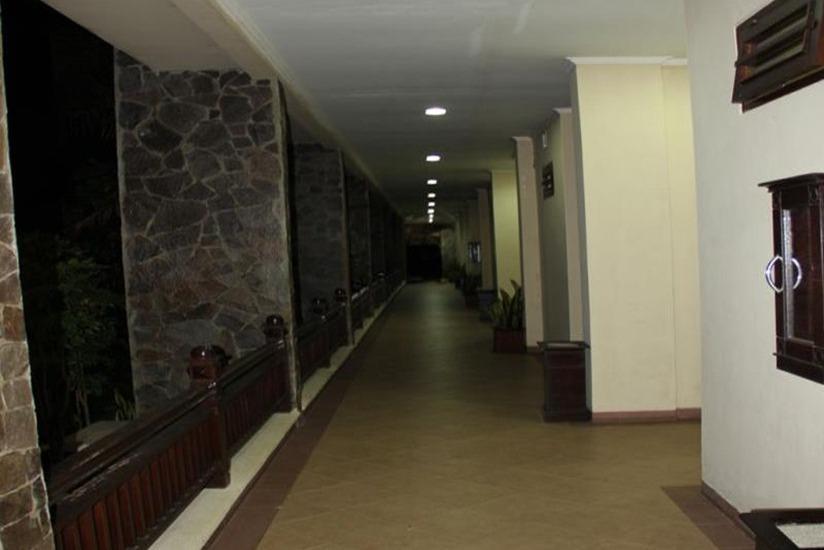 Campago Resort Hotel Padang - Koridor