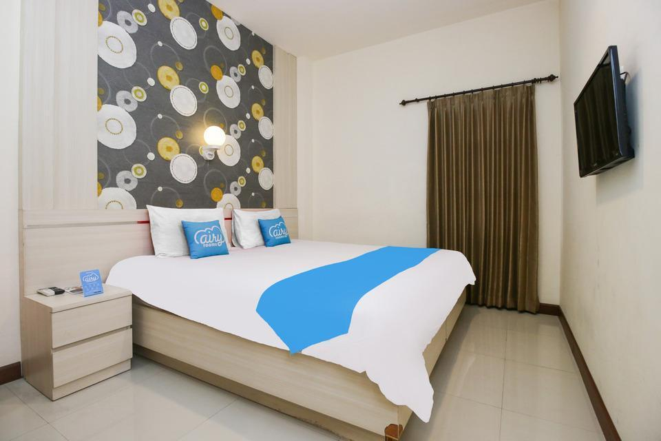 Airy Bandara Juanda By Pass 18 Sidoarjo Surabaya - Standard Double Room with Breakfast Special Promo Jan 5