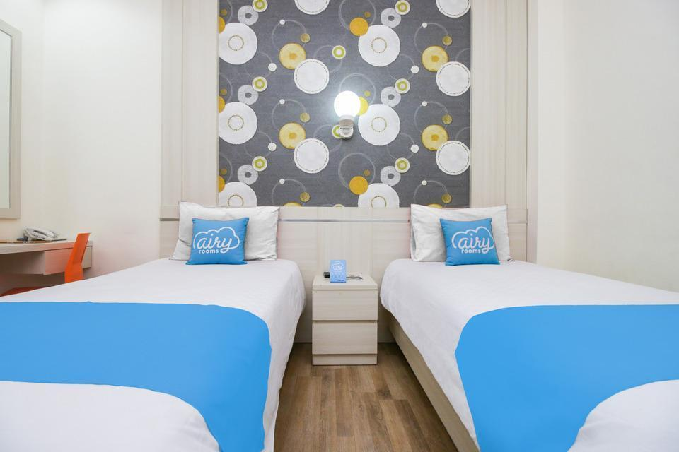 Airy Bandara Juanda By Pass 18 Sidoarjo Surabaya - Standard Twin Room with Breakfast Special Promo Jan 5