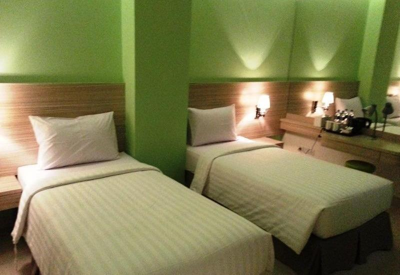 Whiz Prime Kelapa Gading - Superior Twin Room Only Regular Plan